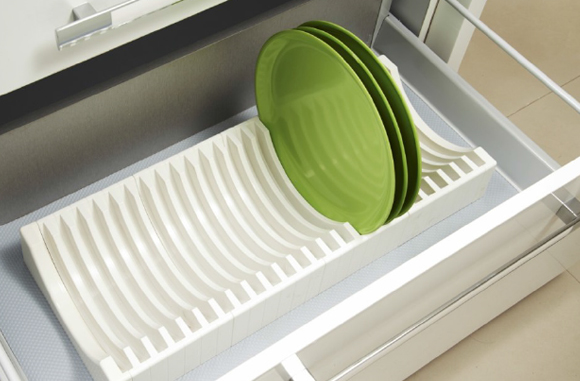 Glass And Plate Tray Modern Kitchen Modular Kitchen